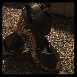 Mossimo Black and Cream Wedge
